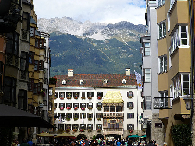 5.1411340771.view-to-the-alps-from-old-town-innsbruck