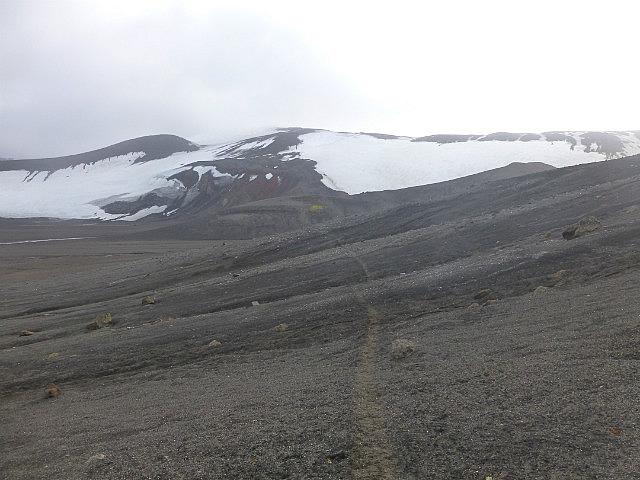 6.1424593041.hiking-the-volcano-on-deception-island