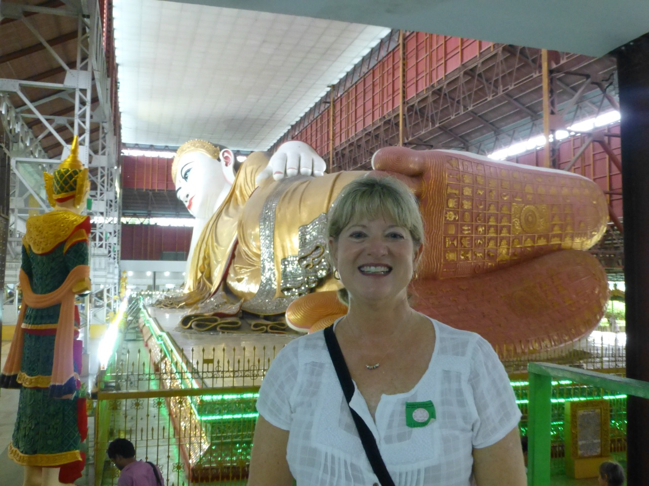 7.1477174733.me-and-reclining-buddha-the-feet-tell-as-story