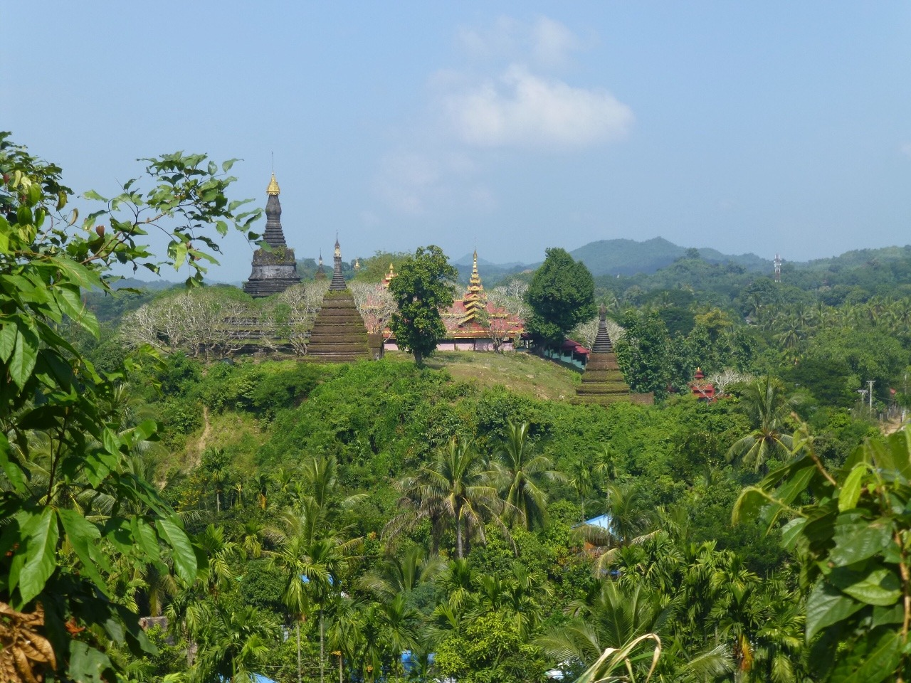 7.1477286474.view-toward-temples-in-mrauk-u
