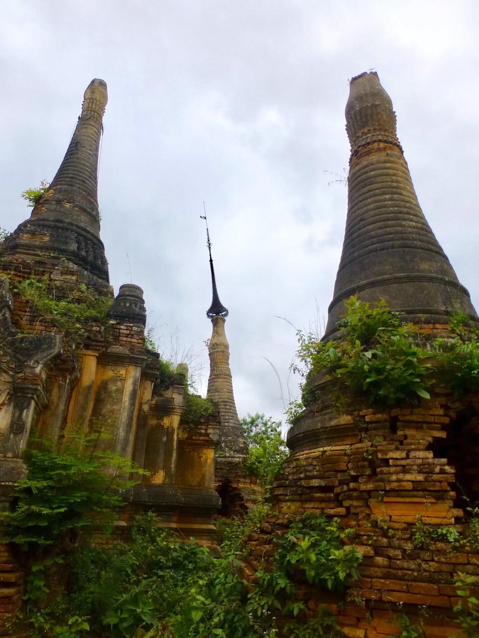 7.1478003788.stupas-at-inthein