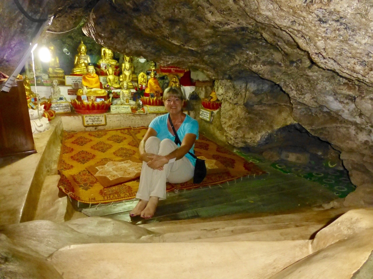 7.1478044800.inside-the-prayer-room-cave-at-shwe-inn-thein-