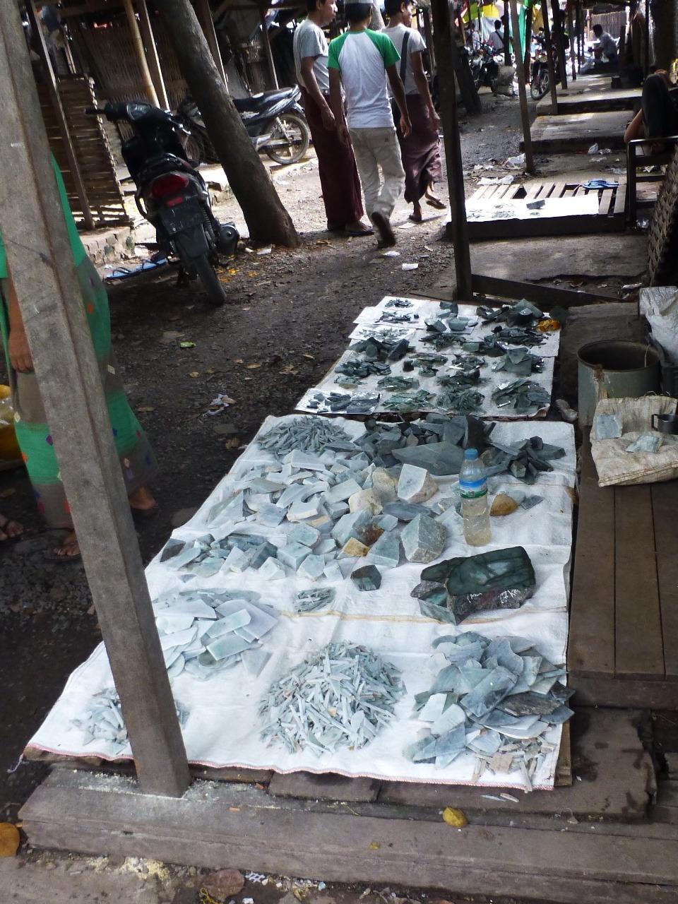 7.1478211759.jade-market