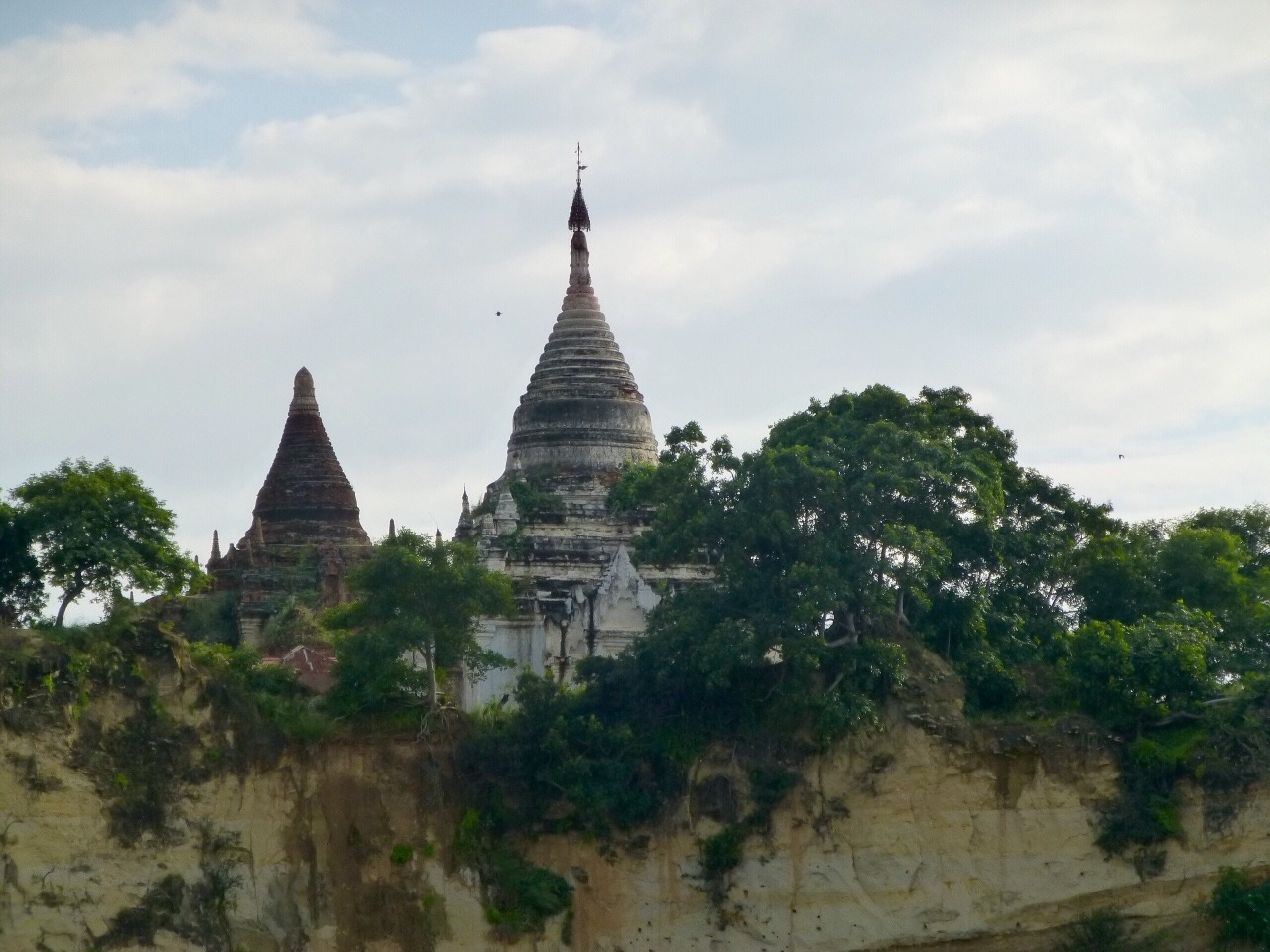 7.1478471007.first-view-of-bagan-from-the-boat