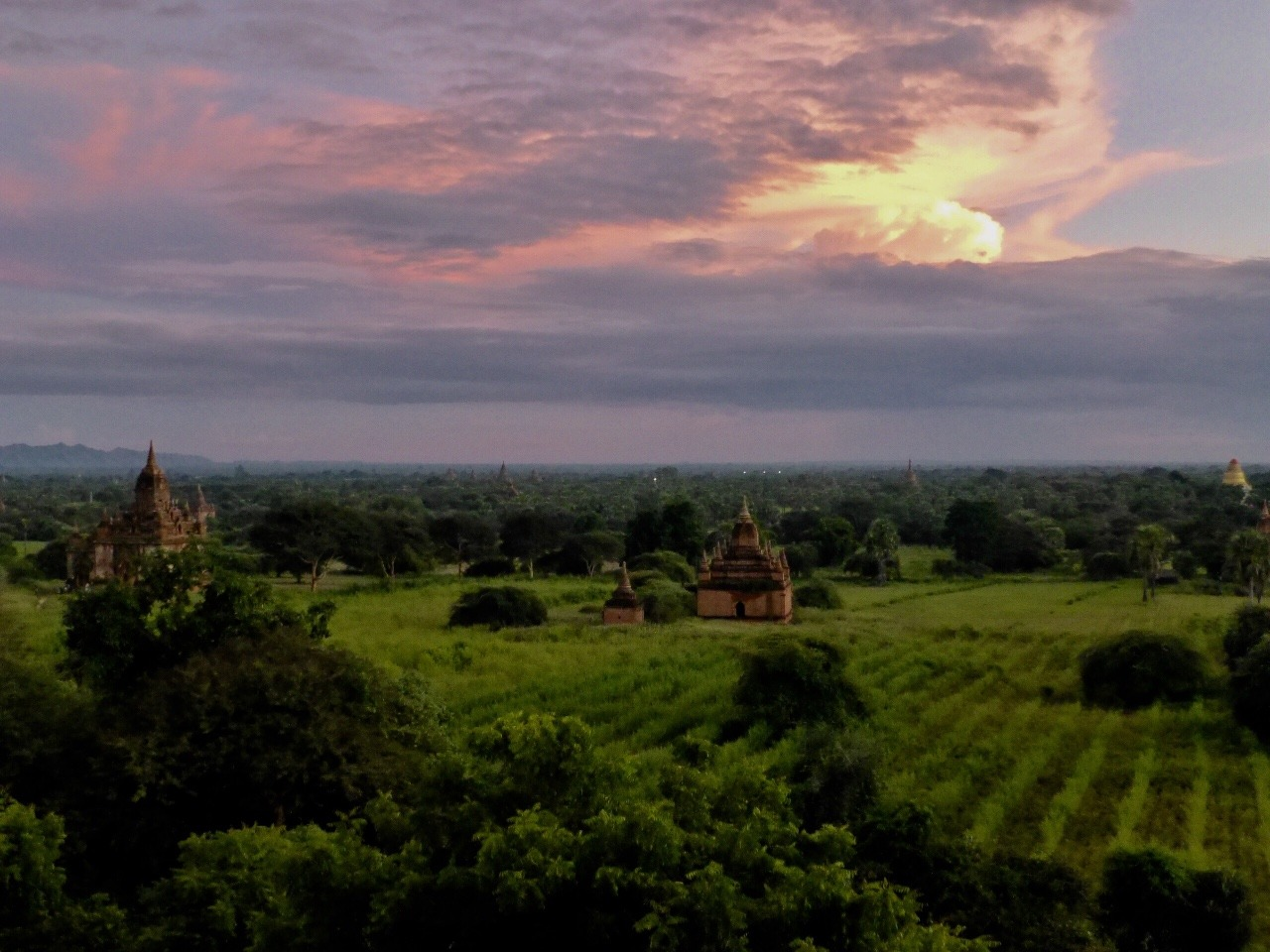 7.1478581869.sunset-over-bagan