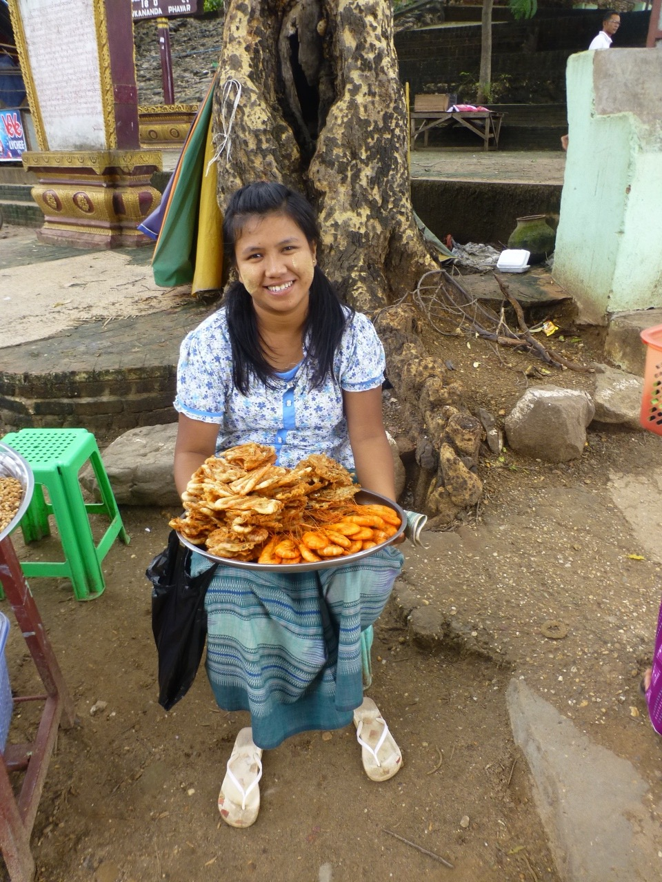 7.1478749450.street-food-seller