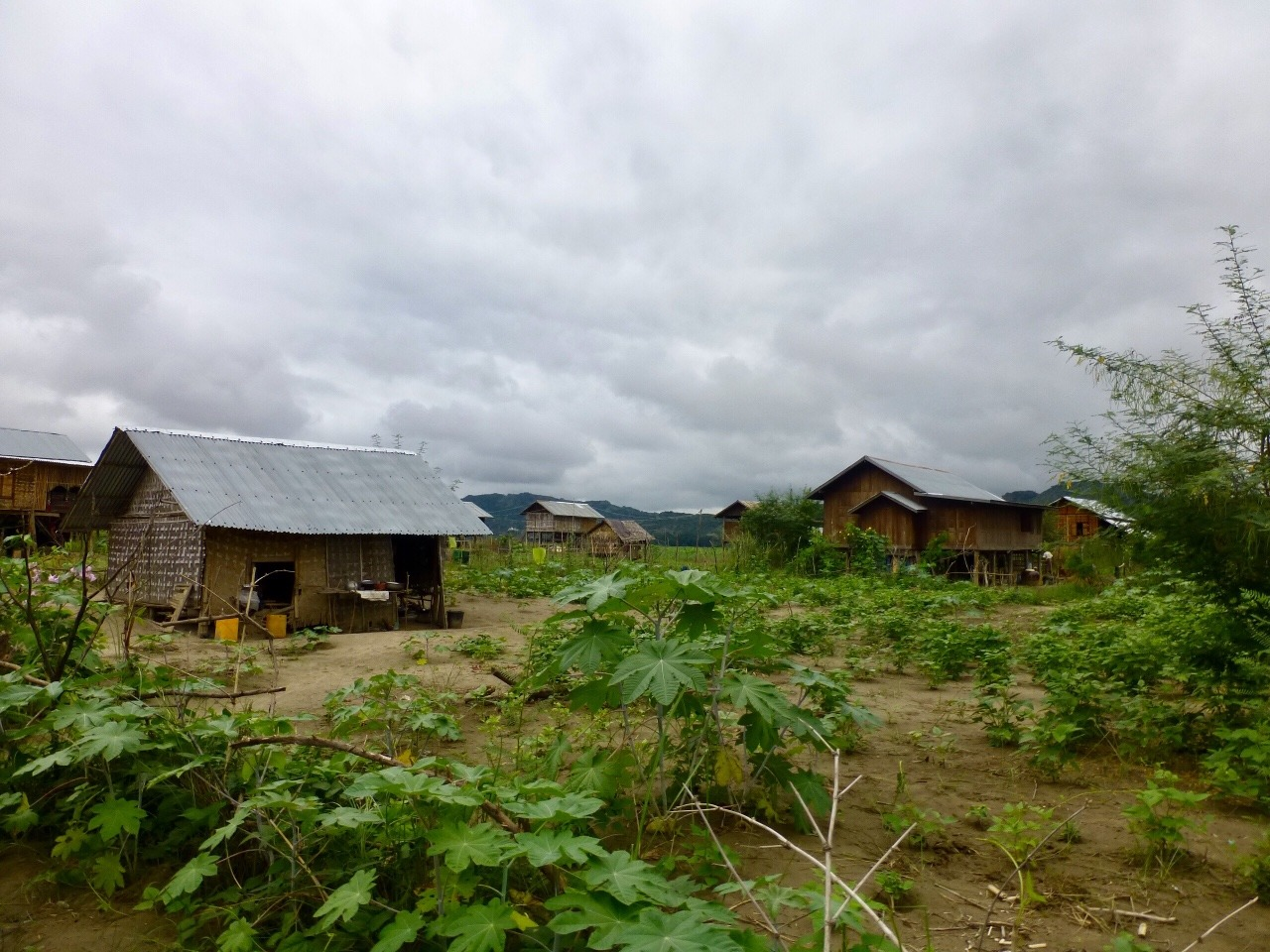 7.1478749450.village-houses