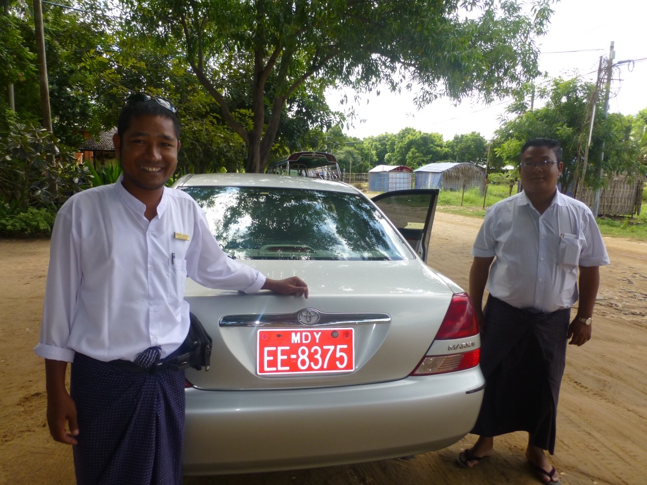 7.1478749450.zaw-and-mr-tin-guide-and-driver-in-bagan